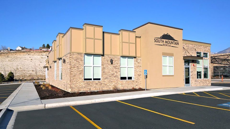 South mountain dental furst construction for Dental office design 1500 square feet